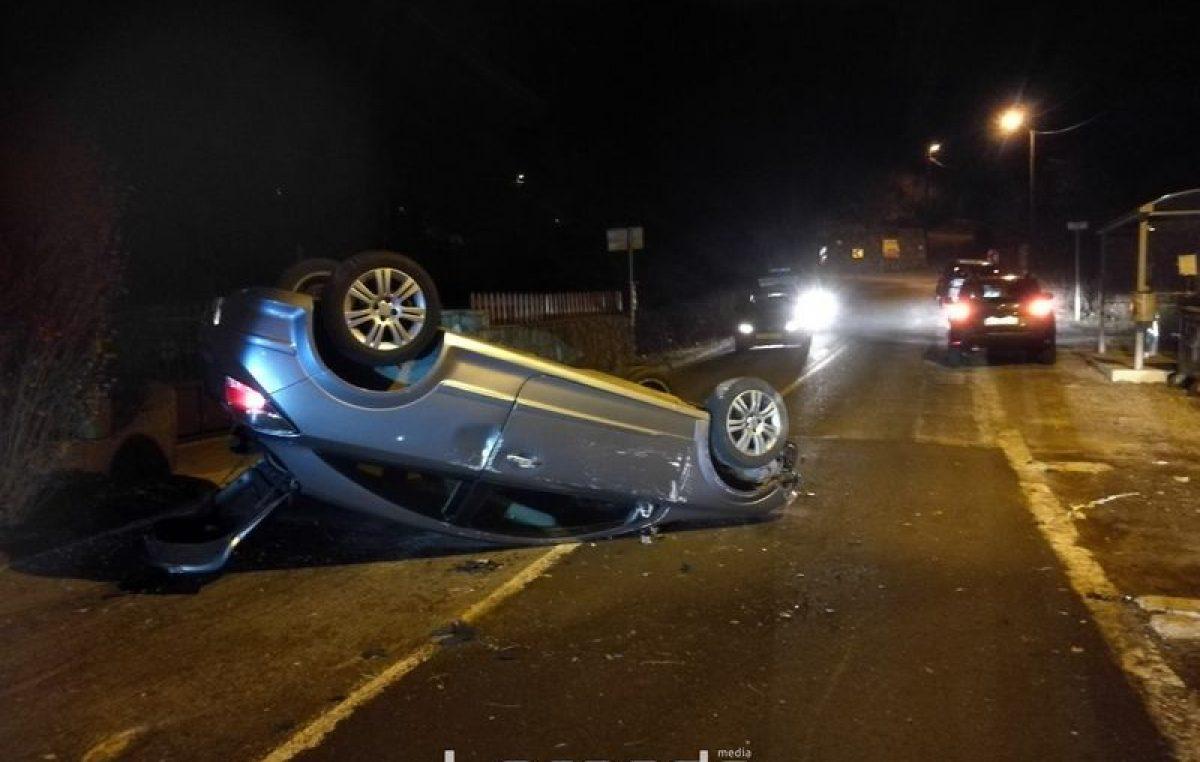Teška prometna nesreća dogodila se noćas u Žegotima – Automobil gotovo uništen u prevrtanju na krov