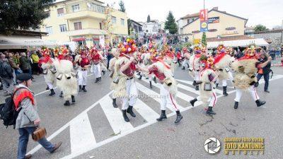 FOTO/VIDEO Snaga tisuća zvona – Zvončarska smotra predstavila tradiciju matuljskog kraja i gostujućih skupina