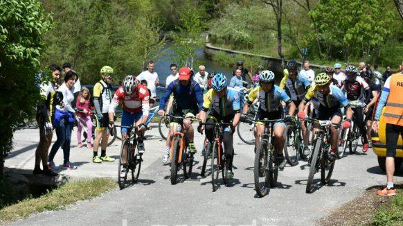 VIDEO/FOTO Stazom od Jušića do Dražica u spomen na Dejana Ljubasa i Dalibora Kalčića prošli brojni biciklisti