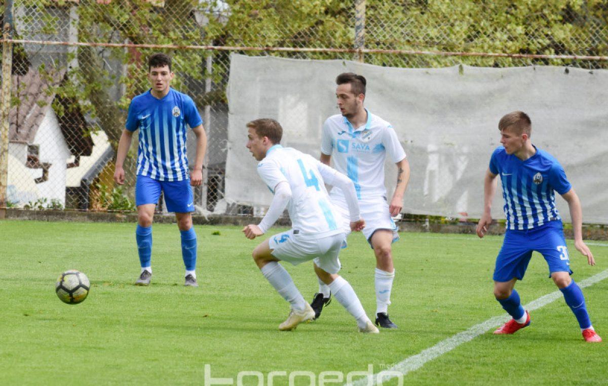 Mlađi uzrasti Rijeke u dvije utakmice 'razbili' Otočac – Pioniri i juniori zabili 21, a primili samo 1 pogodak