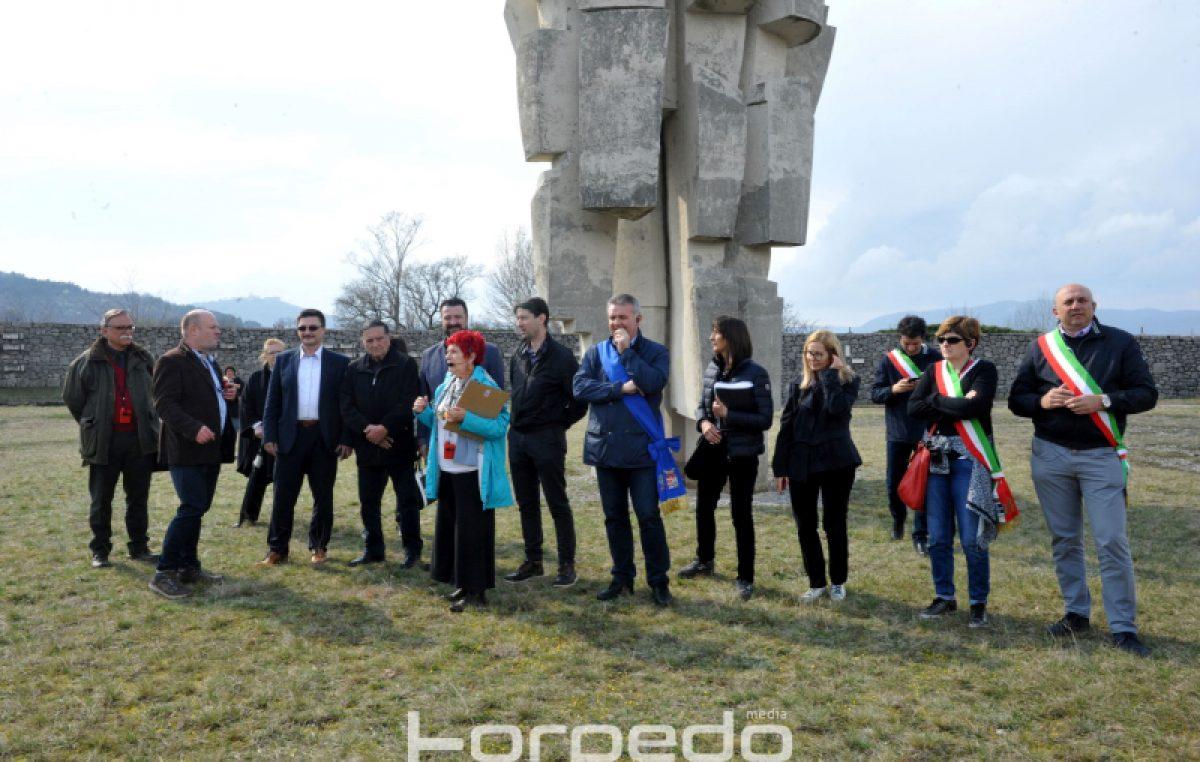 FOTO/VIDEO Više od 350 talijanskih studenata i učenika posjetilo Podhum u sklopu edukacije o okupaciji ovih prostora