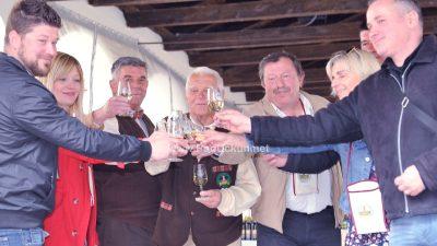 VIDEO/FOTO Održan 14. ocjenjivački susret vinara Kastavštine: Tko belicu pije – bolestan nije
