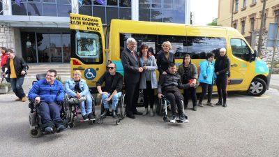 Novi kombi za osobe s cerebralnom i dječjom paralizom – Predano vozilo vrijedno 300 tisuća kuna