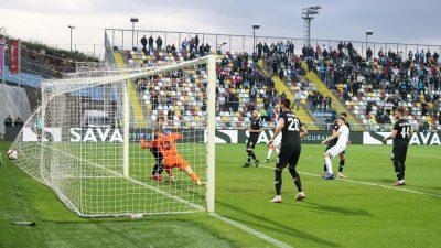 FOTO/VIDEO Rijeka pobijedila Lokomotivu i potvrdila drugo mjesto