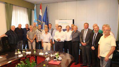 Povodom 28. godišnjice osnutka bivše 111. brigade HV- a, grad i županija organizirali zajednički prijem za predstavnike postrojbe