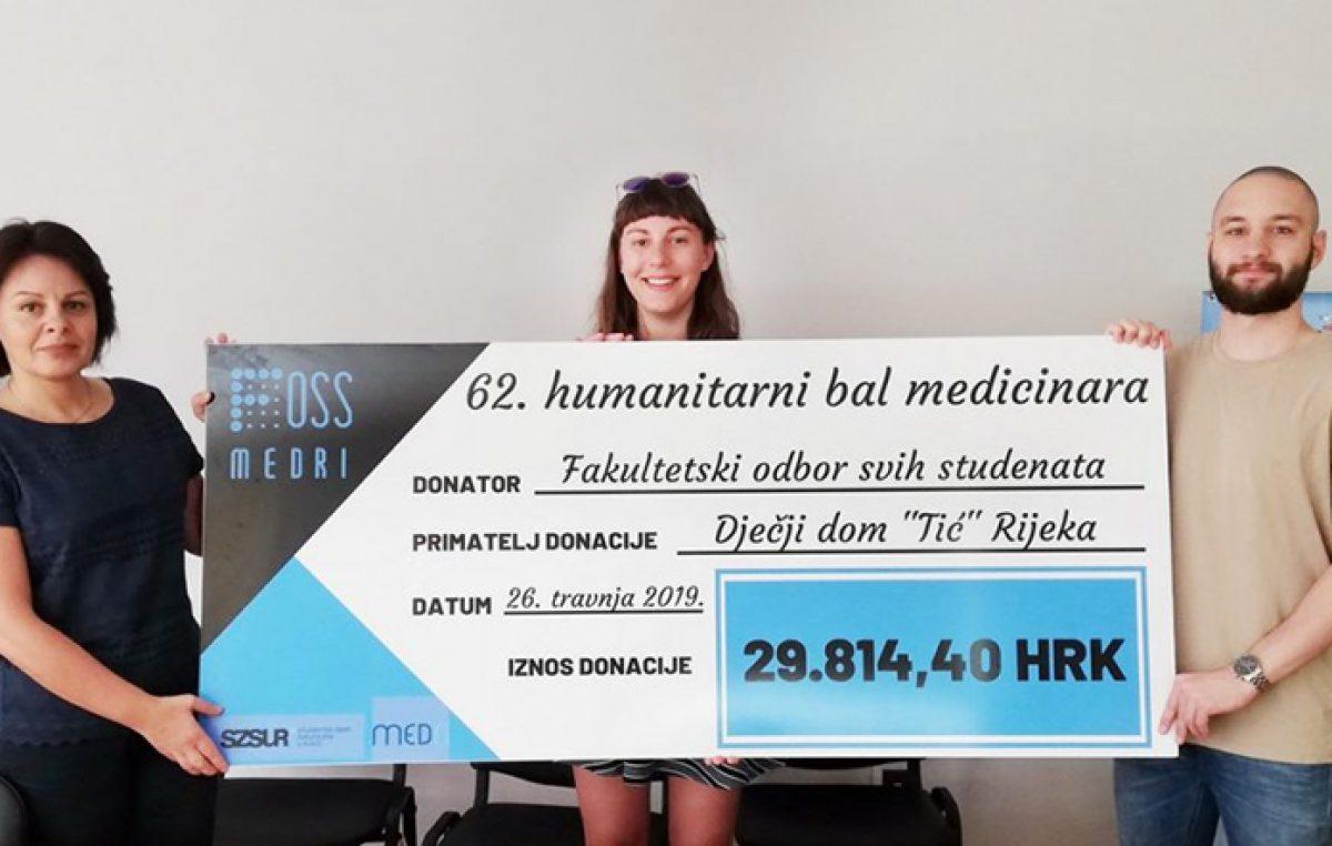 Dječjem domu Tić uručena sredstva prikupljena na 62. Humanitarnom balu medicinara