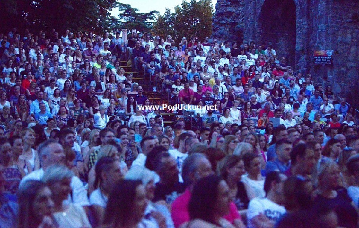 Zaključen Festival smijeha Kastav – Tri dana dobre zabave okrunjena komedijom 'Ništa ljubav, samo sex'