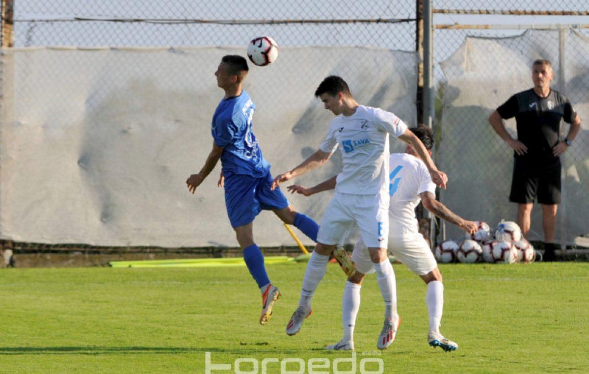 Nogometaši Rijeke odigrali su prvu pripremnu utakmicu protiv ekipe Bravo