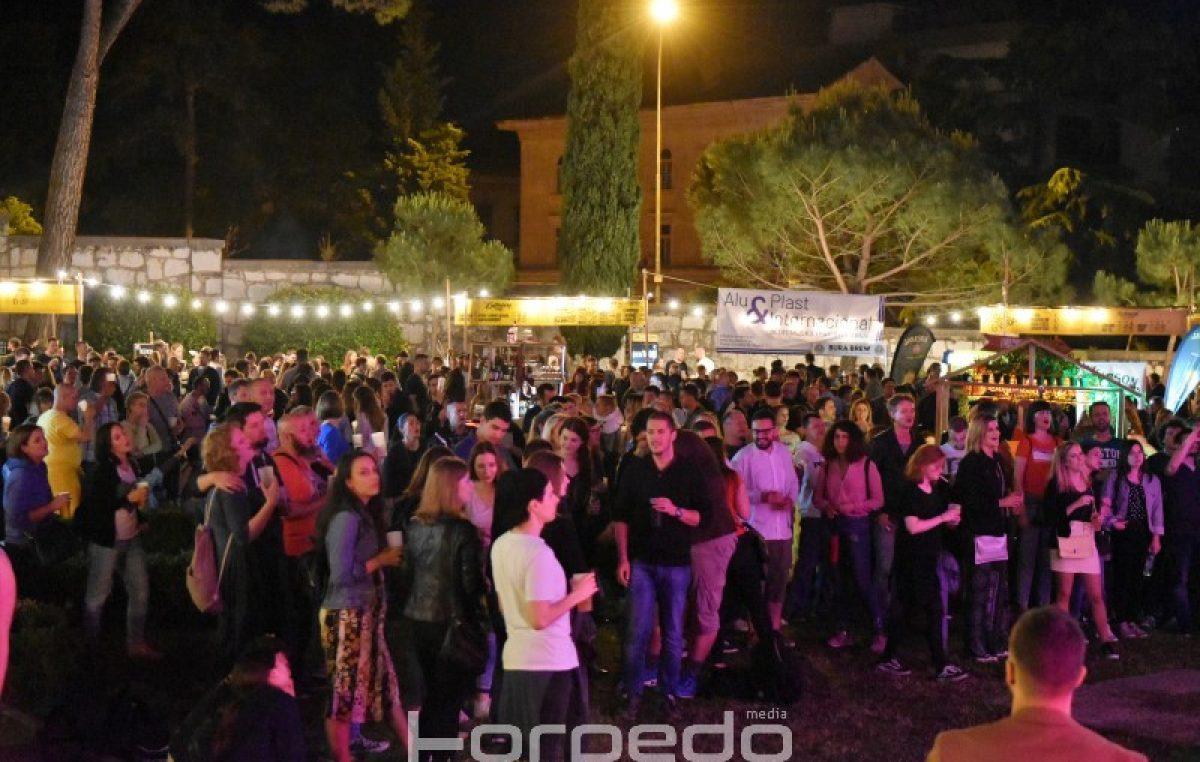 FOTO/VIDEO Izvrsna atmosfera na festivalu Picnic – Tisuće uživale u vrhunskoj pivi i Balaševićevim stihovima