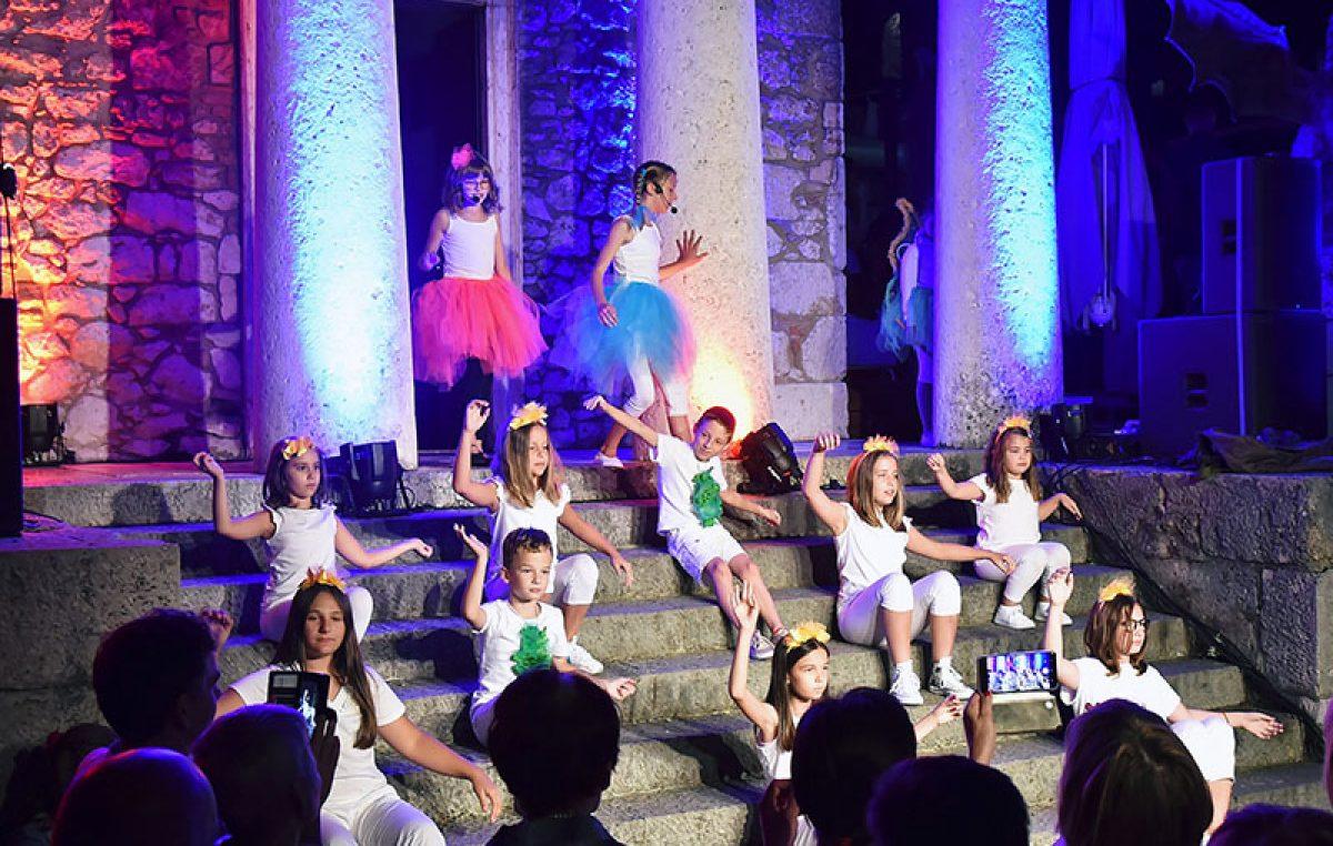 Mia Negovetić i Maratonovih 11 oduševili publiku na Trsatskoj gradini
