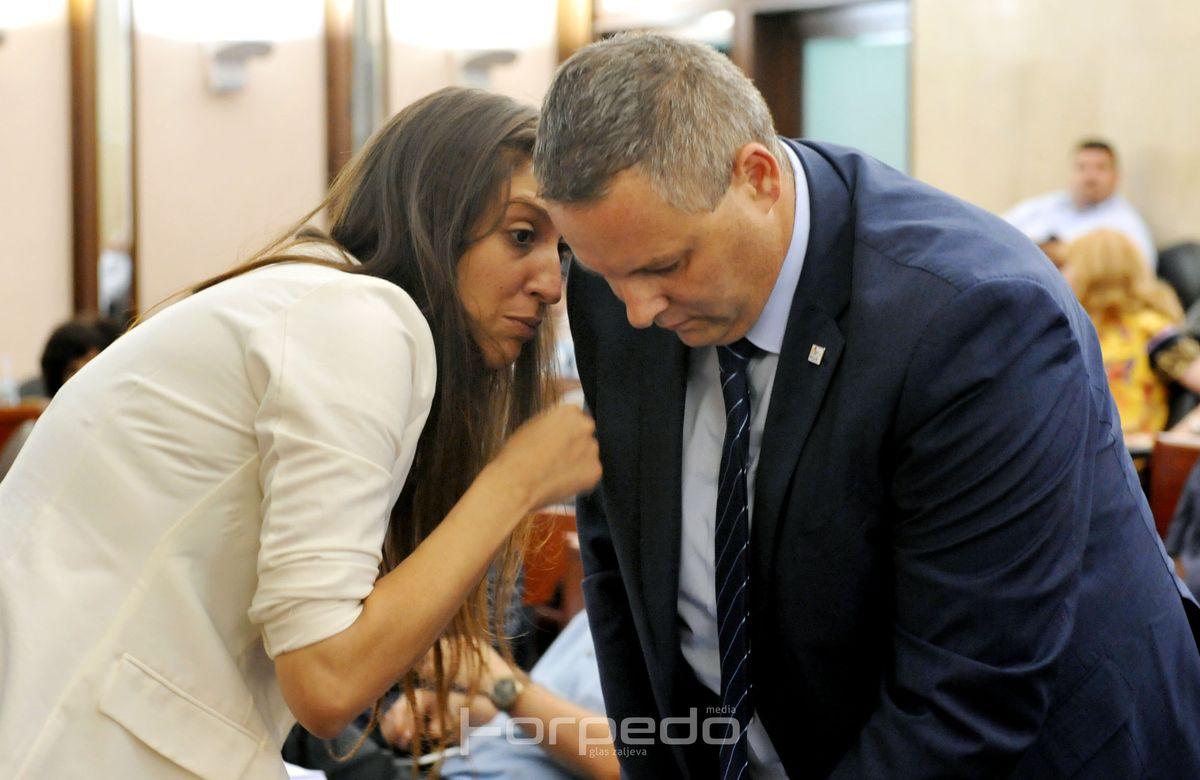 Ivona Milinović pozvala građane da pritiskom na Koljanina i Listu za Rijeku spriječe zaduženje za obnovu Galeba
