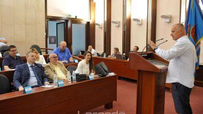 Ministarstvo uprave odbilo žalbu Burića na sankcije koje mu je izrekao Poropat: 'Uz prava, vijećnik ima i obvezu pridržavati se reda'