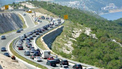 Kolone svugdje oko nas – Protekli vikend bio je 'najgužvovitiji' u godini, autocestama prošao skoro milijun auta
