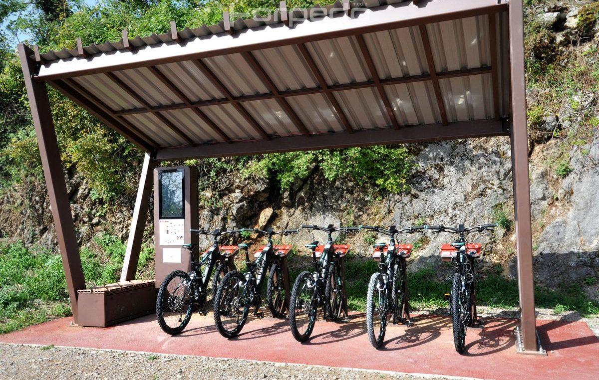 Kastav predstavio suvremeni sustav električnih javnih bicikala – Kroz Lozu i Lužinu na dva kotača