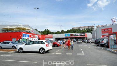 FOTO Svečanim otvorenjem s radom počeo Marti Retail Park na Martinkovcu