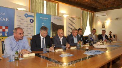 Autotrolejevom 'cvikalicom' će se moći voziti i vlakom – Od 1. rujna željeznica se integrira u gradski prijevoz Matulja, Rijeke i Bakra
