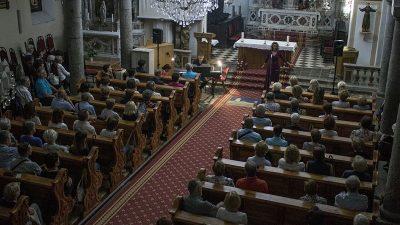 U OKU KAMERE Sandra Bagarić nastupila u Crkvi Sv. Jelene Križarice