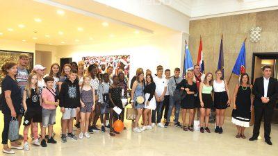 Uče o luci i gradu: Učenici iz Neussa u tradicionalnom posjetu Rijeci