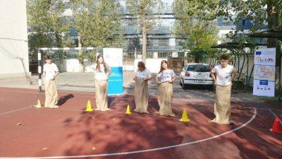 Riječki treneri u Rumunjskoj predstavili tradicionalne hrvatske igre – boćanje, skakanje u vreći i graničar