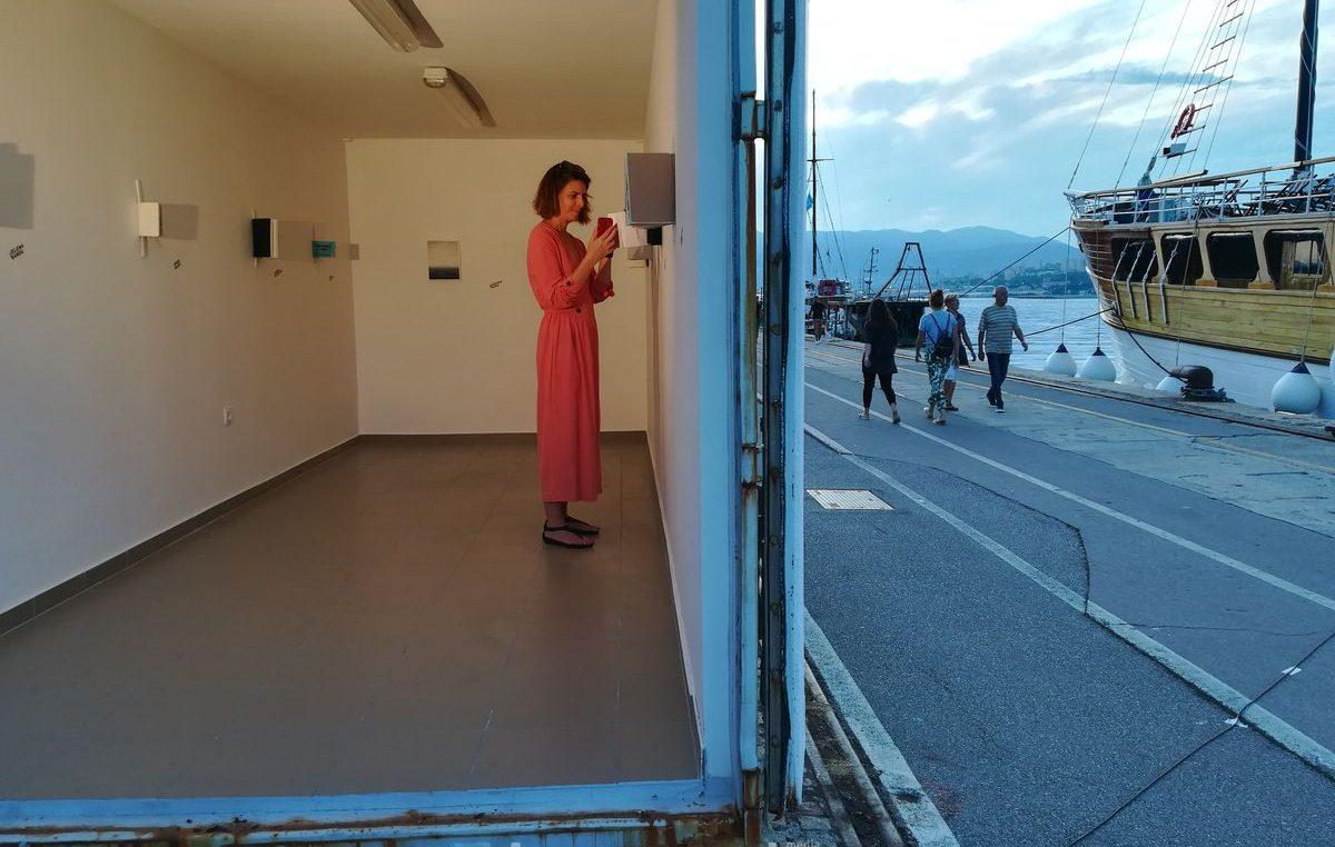 FOTO Na Molo longu održana izložba umjetničkih skica nastalih u projektu Skalinada