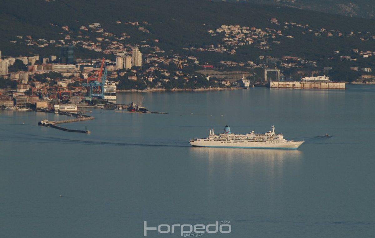 U OKU KAMERE Rijeka pod 'navalom' turista – Dva velika cruisera jučer iskrcala preko 3.200 gostiju