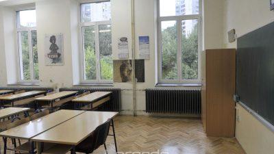 Ako nema dva metra razmaka u učionici, srednjoškolci će morati imati maske