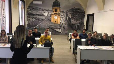 Visoka poslovna škola PAR: Voditelj odnosa s javnošću – upisi u tijeku!