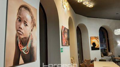 Otvorenje izložbe fotografija Ive Znaor 'WATU WA AFRIKA'