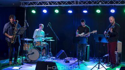 Dino Ivelja quartet večeras na Štikli