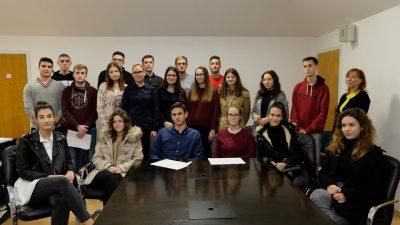 U OKU KAMERE Dodijeljene stipendije učenicima i studentima Općine Kostrena