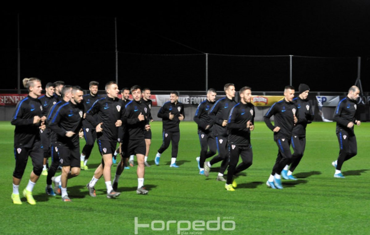FOTO Najava sportskog spektakla: Hrvatska nogometna reprezentacija odradila prvi trening na Rujevici