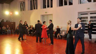 FOTO Zvjezdana prašina – Poznati Kostrenjani plesom prikupili više od pet tisuća kuna za 'sigurnu kuću'