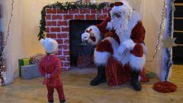 FOTO Djed Božićnjak darivao klince na Viškovu