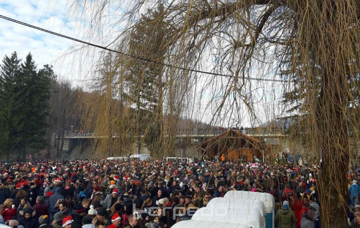 U OKU KAMERE Fužine ispratile 2019. godinu – Tradicionalni podnevni doček okupio desetak tisuća ljudi