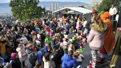 Novogodišnja 'matineja' na Gradini Trsat oduševila brojne klince – Uz magiju i pjesmu ispratili godinu