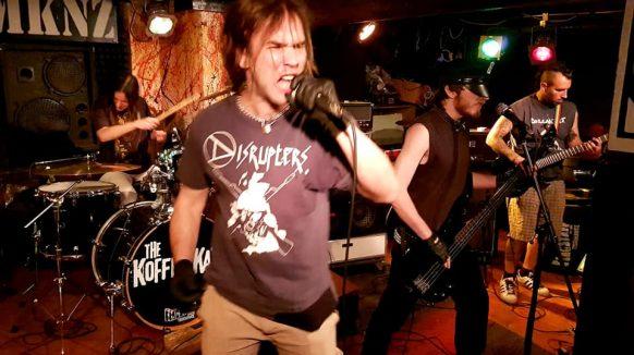 PREDSTAVLJAMO RIJEČKU ALTERNATIVNU SCENU – Punk bend Žulj: Okupili smo se dok smo pili pivu na klupicama