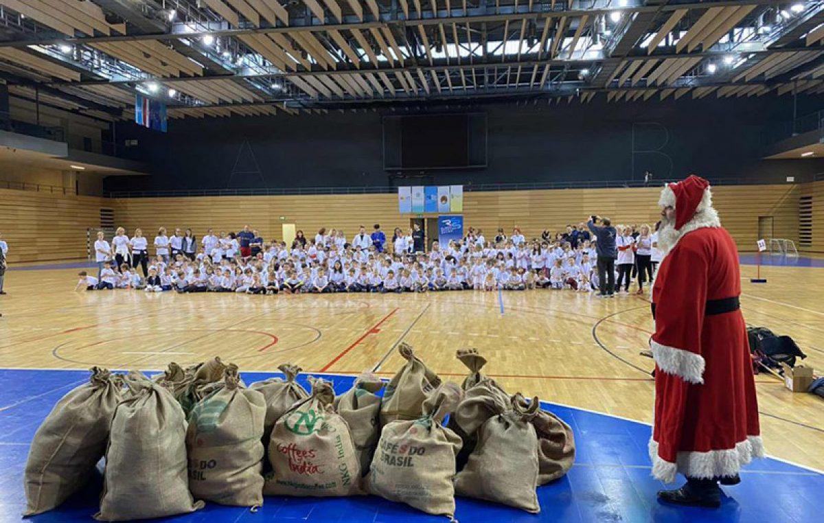 Prvo izdanje Dječjeg festivala sporta održano u dvorani na Zametu