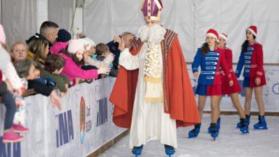 FOTO Sveti Nikola razveselio male i velike Riječane na Morskoj pahuljici