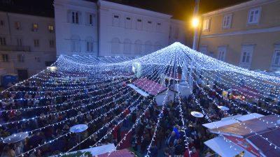 FOTO/VIDEO Bogatim i raznovrsnim programom otvorena manifestacija Rijeka Advent – najčarobniji Advent na Kvarneru