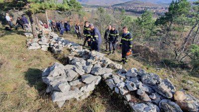 U OKU KAMERE Održana volonterska akcija čišćenja Rimskih zidina u Jelenju