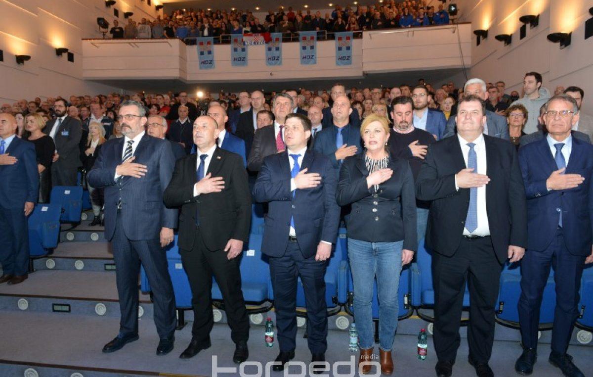 KOMENTAR Predsjednički izbori su dokaz da HDZ ne može osvojiti Rijeku i županiju: Građani nisu spremni za 'plavu kabanicu'