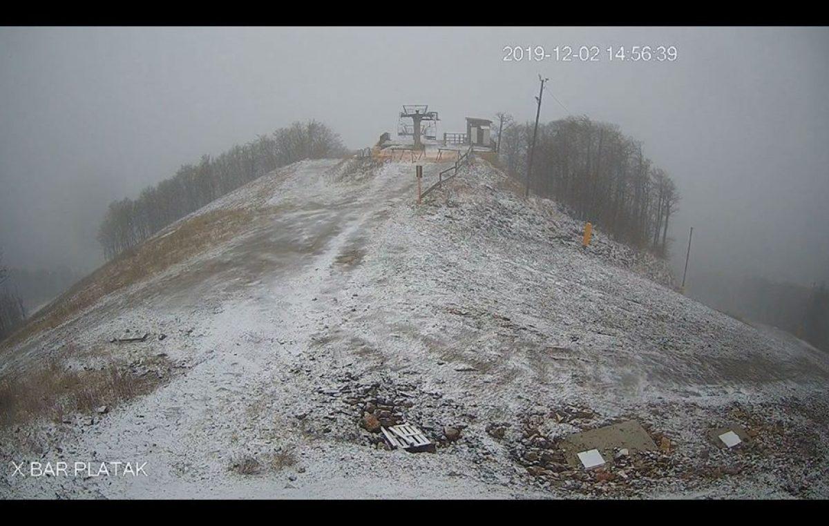 U OKU KAMERE Prvi ovosezonski snijeg zabijelio Radeševo @ Platak