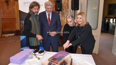 Predstavljen kalendar Primorsko-goranske županije za 2020. godinu kojeg potpisuju Slavica Mrkić Modrić i Marko Gracin