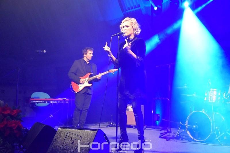 Vanna na emotivnom koncertu ispunila dvoranu Kostrena nježnim melodijama