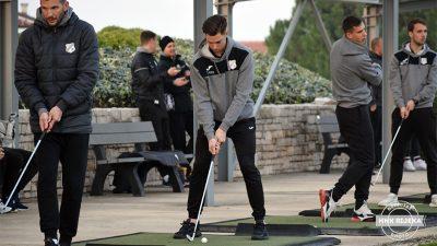 VIDEO Pogledajte kako su se u golferskom okruženju snašli igrači Rijeke