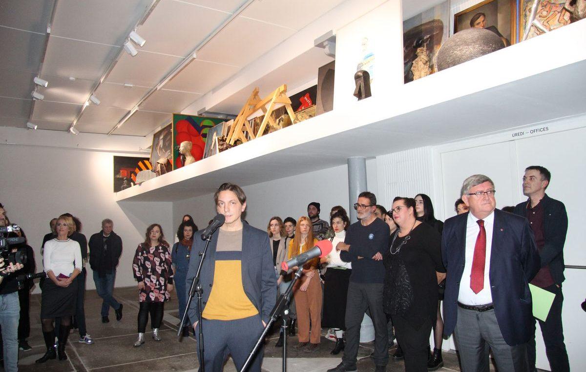 Uzbudljivi uvod u sutrašnje otvorenje programa EPK: Večeras otvorena izložba 'S kolekcijom' Davida Maljkovića