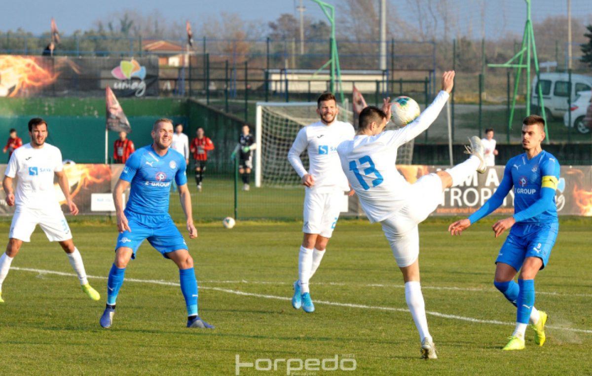 FOTO Rijeka-Slovacko 1:2 – Minimalnim porazom momčad Simona Rožmana otvorila umaški ciklus pripremnih utakmica