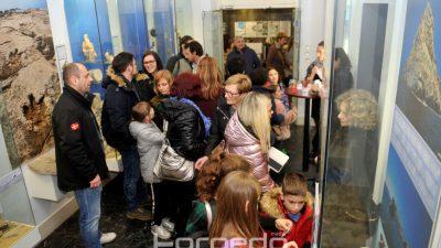 FOTO/VIDEO Od Torpeda do holograma špiljskog medvjeda: Noć muzeja Riječanima predstavila brojne atrakcije