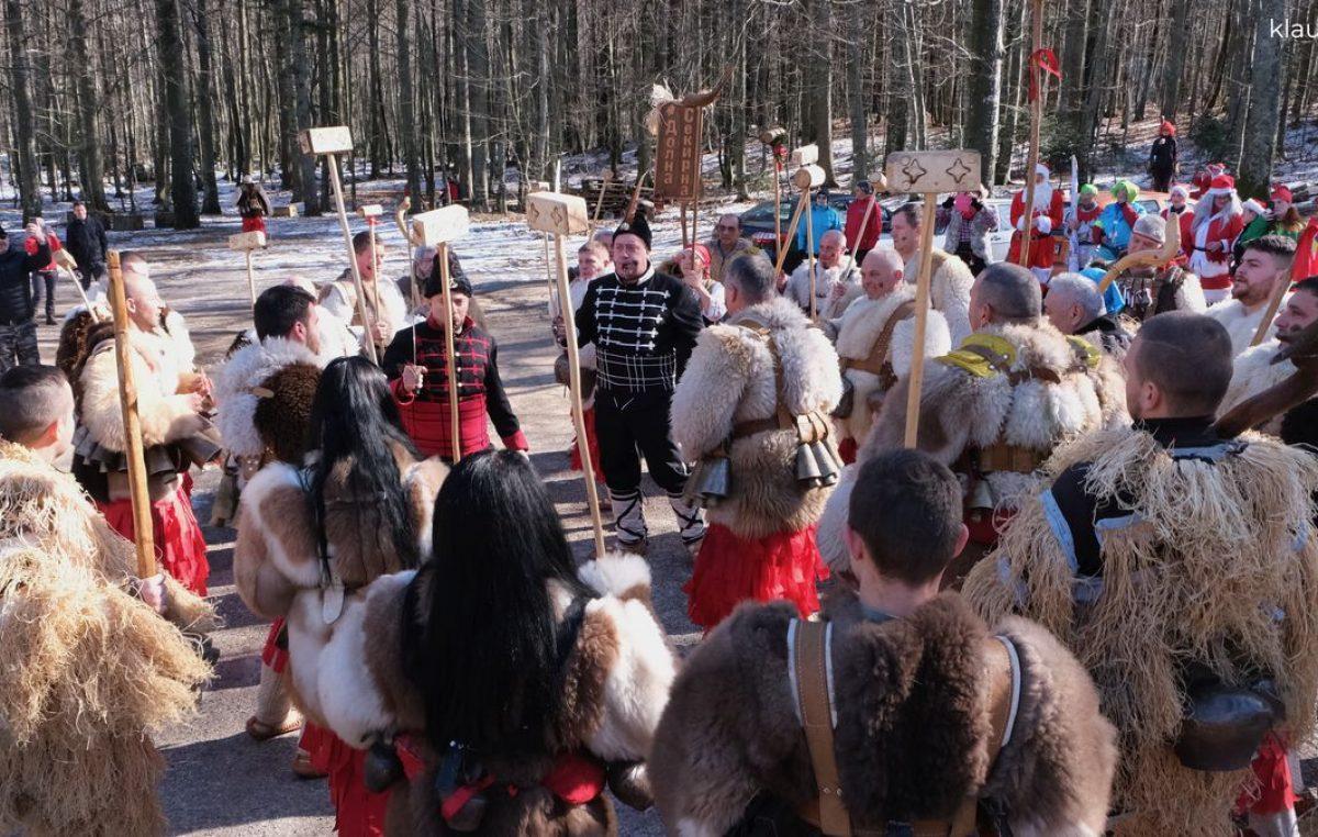 FOTO Zimske radosti pod maskama: Maškarani Platak privukao više od 300 sudionika