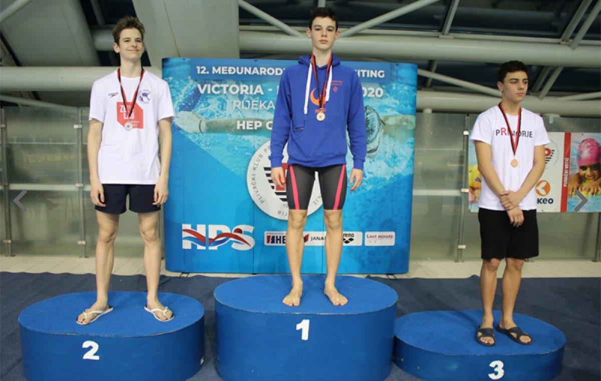 "Mladi plivači Primorja na međnarodnom mitingu ""Victoria-Primorje"" osvojili 12 medalja"